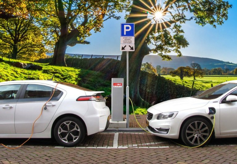 Gujarat Unveils Electric Vehicle Policy with Plans to Add 200,000 EVs by 2025
