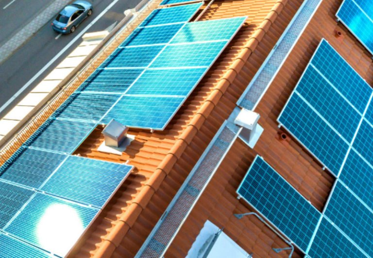Rooftop-Solar-Installations-Could-Exceed-2000-GW-by-2050-Globally-Report